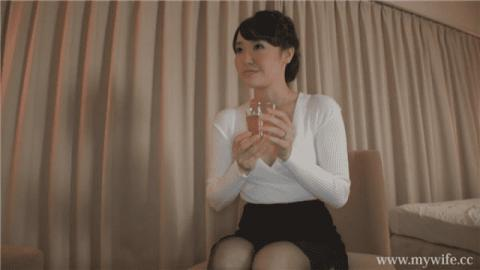 Mywife-NO 1208 Nanako Ando Aoi reunion I could not be satisfied with sex with my husband